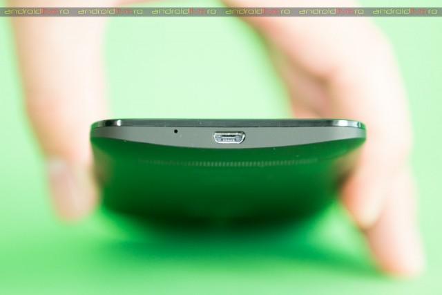 ASUS Zenfone 2 ZE500CL - conector microUSB