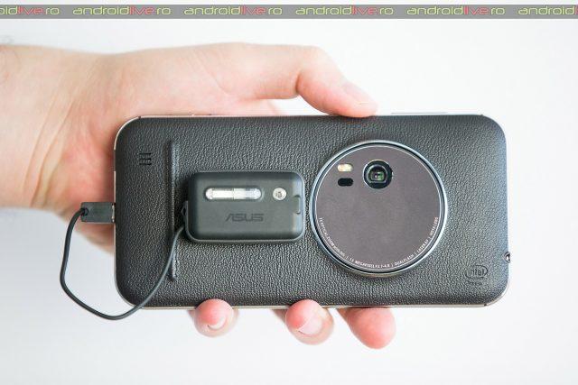 ASUS ZenFone Zoom cu 3X zoom optic