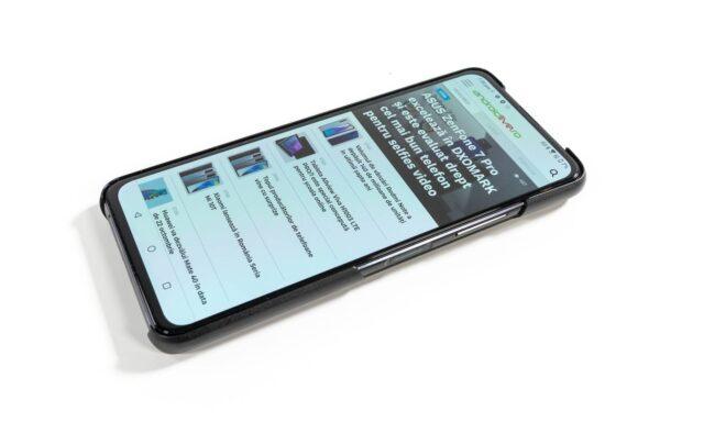 Ecranul lui ZenFone 7 Pro