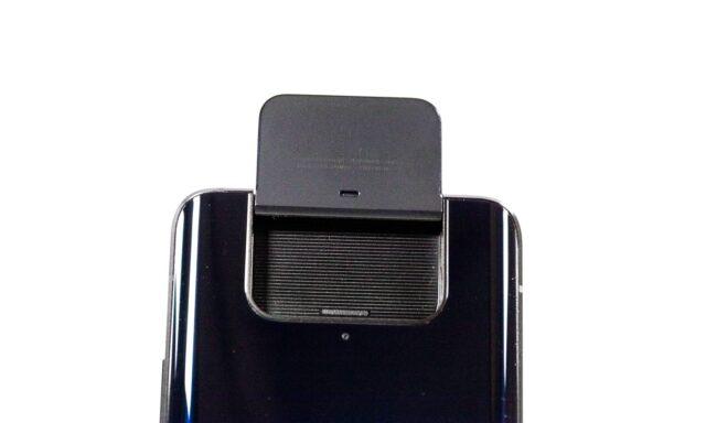 Flip Camera pe spate - ZenFone 7 Pro